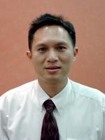 Assist.Prof.Dr.Atiphan Pimkhaokham : Oral Surgeon